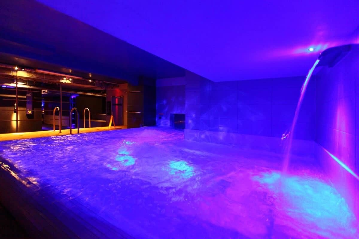 Whirlpool der BOILER Sauna Berlin