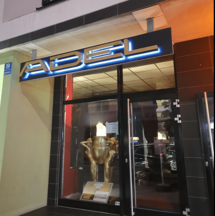Adel München