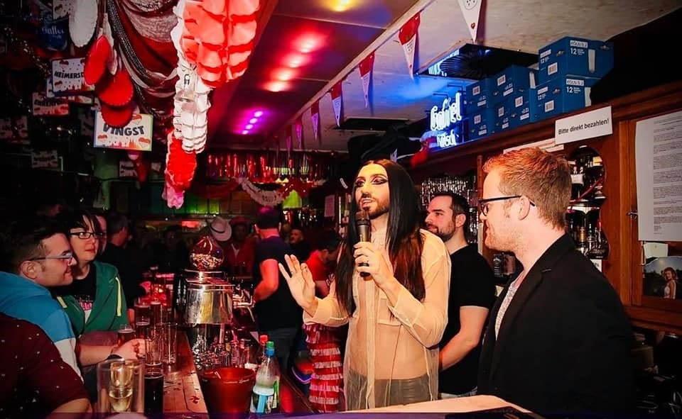 Das Excorner eine Gay Bar in Köln mit deutschem Schlager