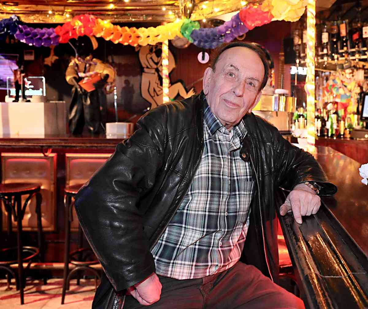 Jogi's Club discothek ist eine Gay Bar in Krefeld