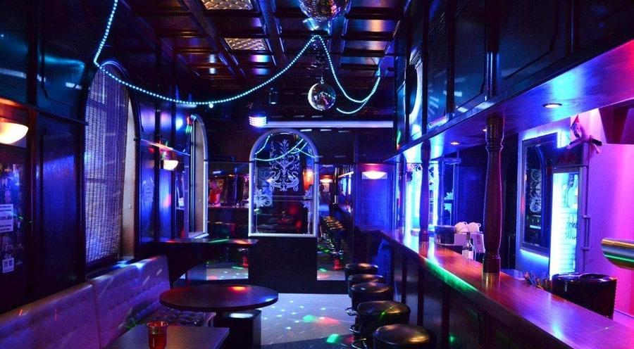 Die Savoy Bar ist eine Gay Bar in Nürnberg