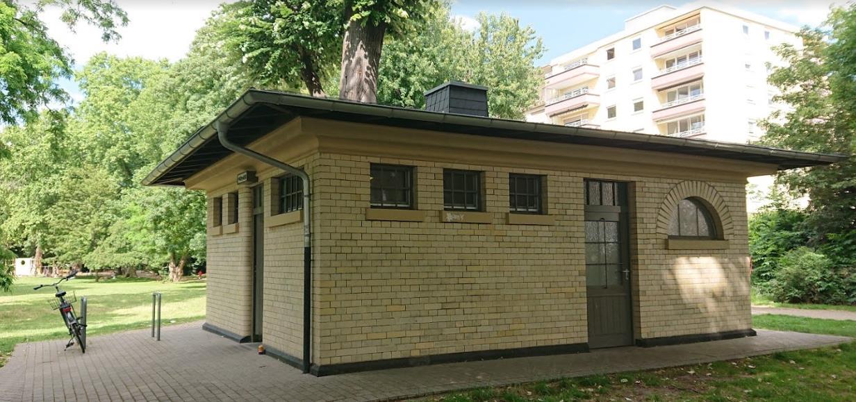 Historisches Toilettenhaus